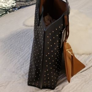 Under One Sky Bags - Nwt reversible tote with wristlet black brown stud